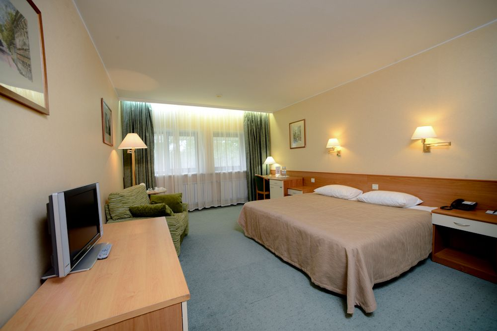 Комфортный клубный номер в гостинице Аэротель
